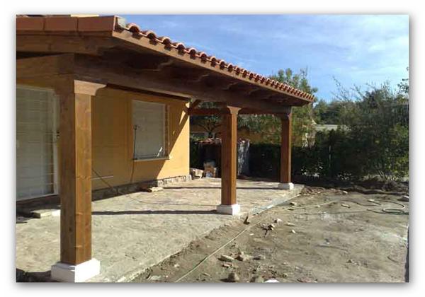 Pergola de madera zaragoza fabricacion montaje - Porches de casas de campo ...